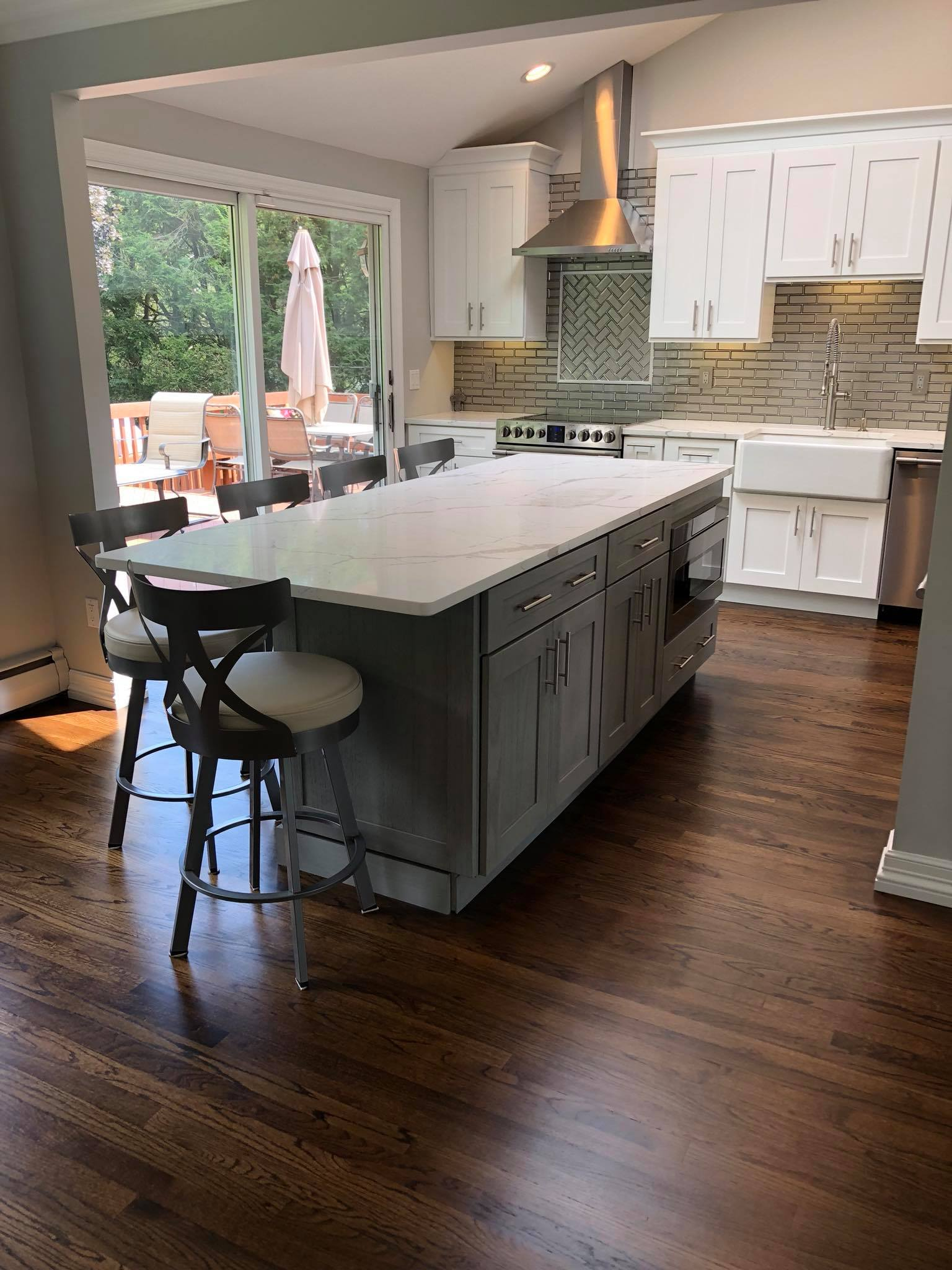 Add A Breakfast Nook To Your Kitchen